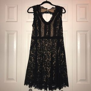 Heart loom Black Lace Formal Dress